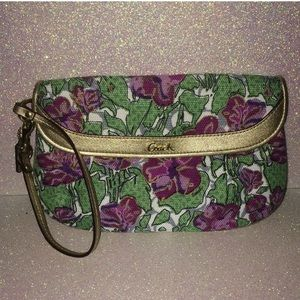 Coach Floral Rose Wristlet (#F45326) *LIKE NEW*